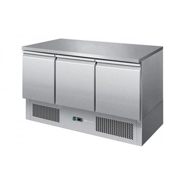 Трехдверный холодильный стол Hendi 232026 с корпусом из нержавеющей стали (+2...+8°С, 1365х700х850 мм)
